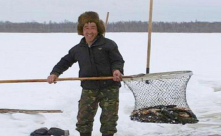 Рыбалка в Сибири, способы ловли зимой на майну. способы ловли зимой на майну не отчалила-ли уже